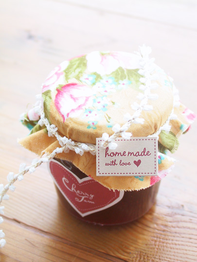Jam labels by Amy Moss of Eat Drink Chic