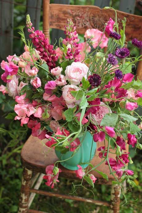 Bouquet of sweet peas